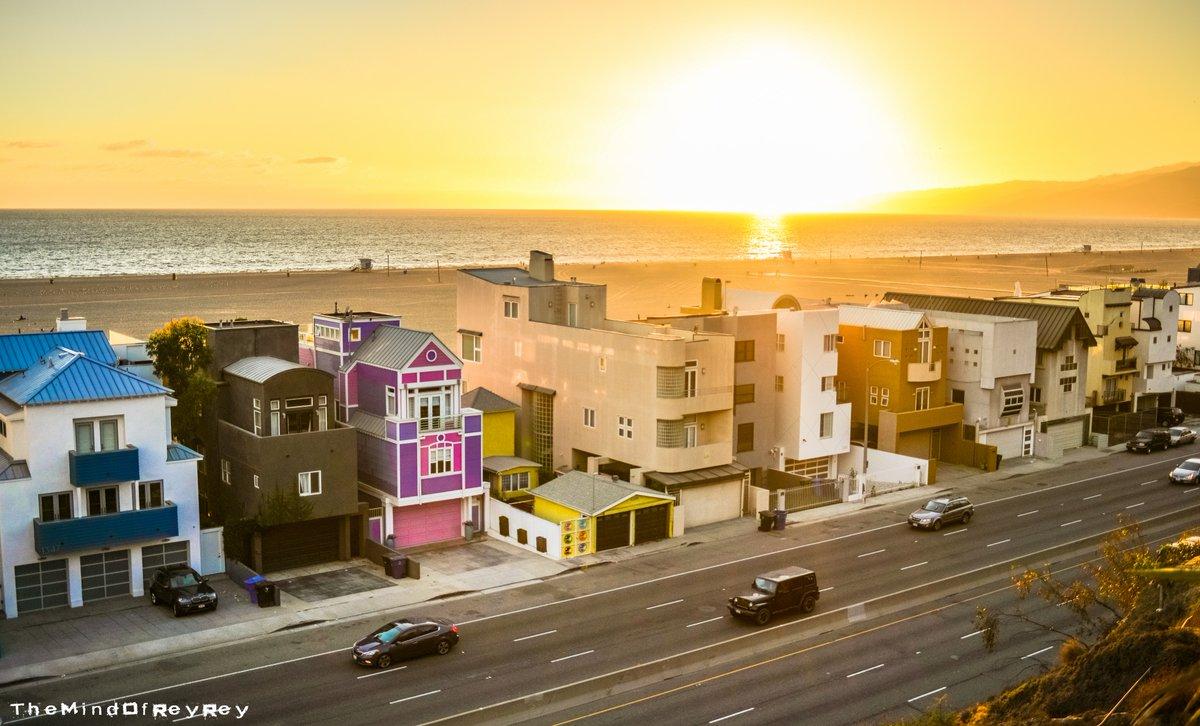 Reyrey Shot In Santamonica Beach California Themindofreyrey Photography Photographer Travel Traveling Traveller Barbie Mattel
