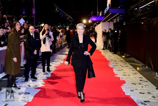 RT @IanWest_PA: Back on the red carpet for #ThePost premiere with #MerylStreep #redcarpet #photography https://t.co/vpOCMygX1c