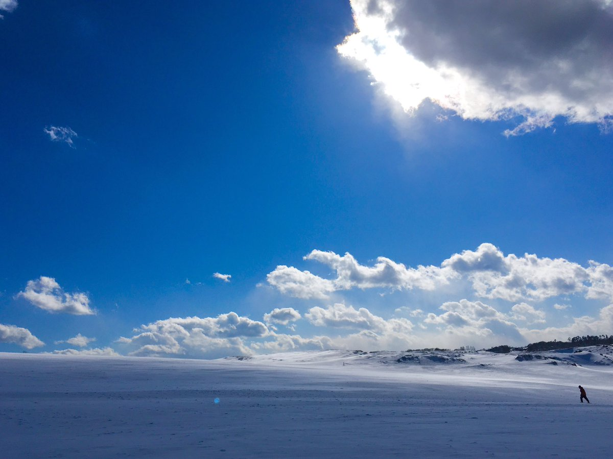 真っ白な鳥取砂丘。 ずっと撮りたかった風景‼︎