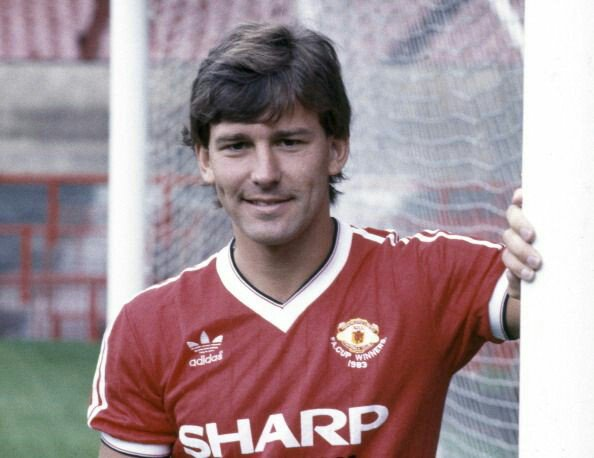 Happy birthday to our legendary former captain Bryan Robson!
