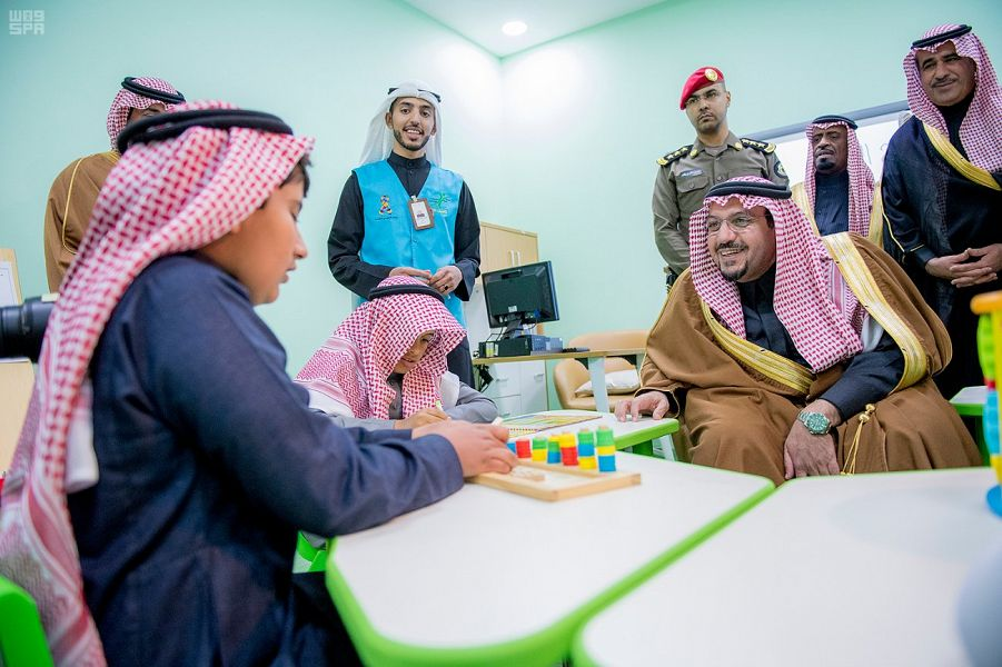 نتيجة بحث الصور عن يفتتح مركز علي التميمي للتوحد بعنيزة