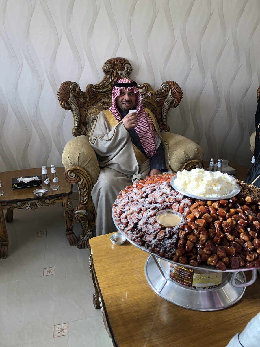 تشرفنا هذا اليوم بزيارة صاحب السمو الملكي الأمير / فيصل بن خالد بن سلطان آل سعود امير منطقة الحدود الشمالية في منزل عمي الشيخ / فرحان الرفدي