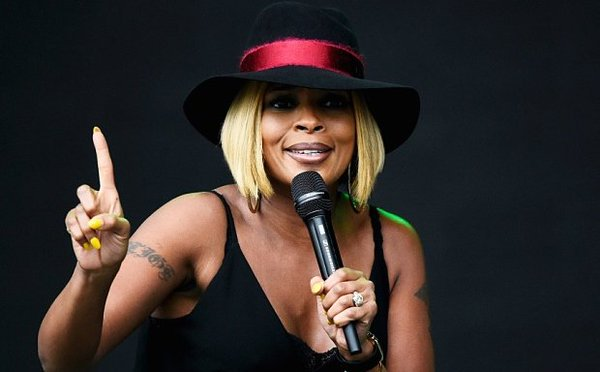 HAPPY BIRTHDAY MARY J. BLIGE! FAMILY AFFAIR .