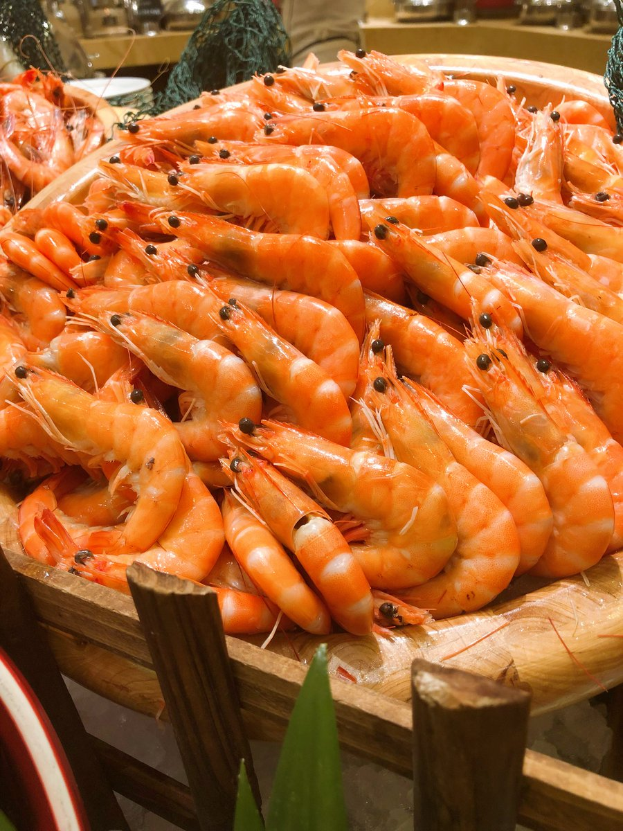 Prawn buffet #sofitelmacau #sofitelworld #enjoying #enjoylife #happytime #happylife #deliciousdish #prawns https://t.co/lulkvlTnUn