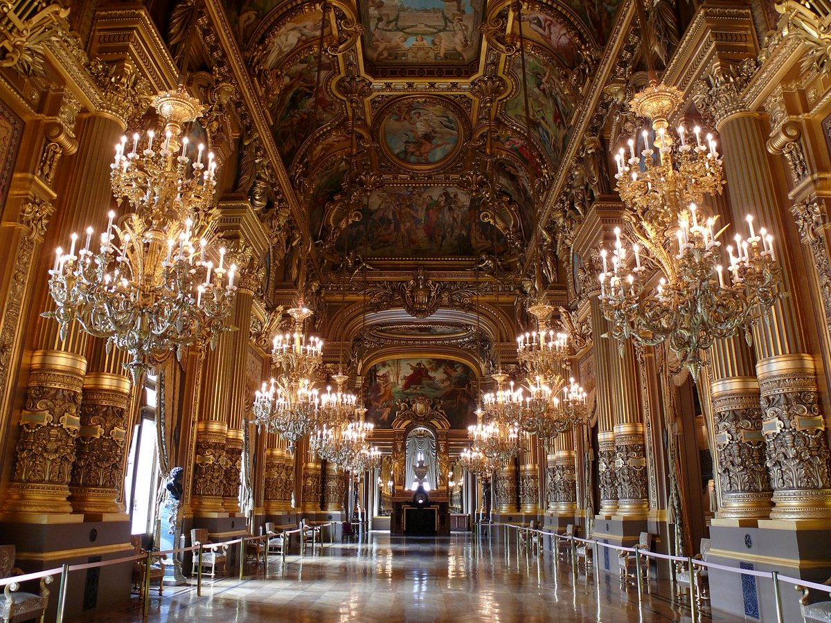 Commissioned by Napoleon III and an incredible example of Beaux Arts style, can you guess which iconic Parisian landmark this is? https://t.co/n7mnA4MADq