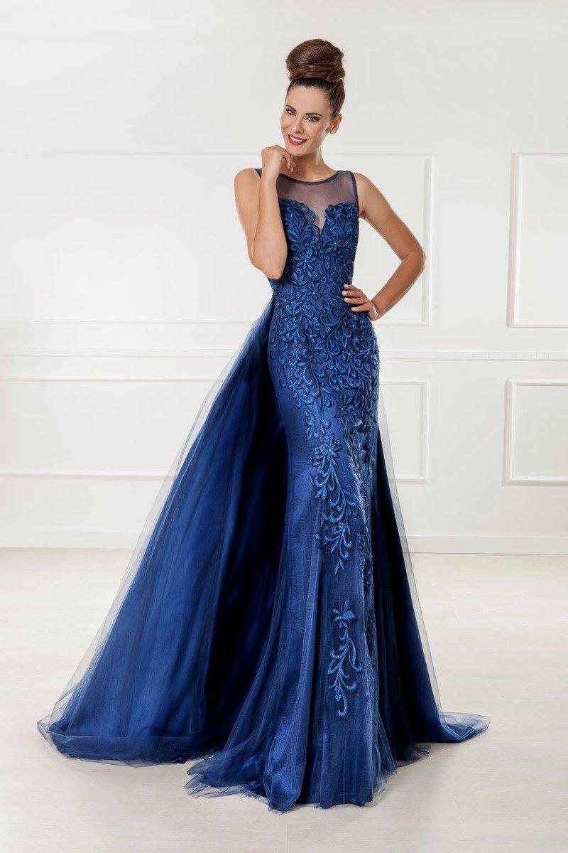 58c61d4f5 ... ya a la venta en tiendas  Vertize más detalles y localizaciones en  http   www.vertize.es  moda  bodas  invitadas  madrinas  fiesta  ceremonia   vestidos ...