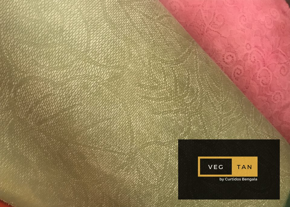 Vegetable-tanned leather was recently salvaged to provide an alternative material in fashion #leather #cuero #piel #leathershoes #leatherwork #texture #texturas #acabados #brown #teneria #calidad #quality #exports #like4like #exportacion #likeforfollow<br>http://pic.twitter.com/Y0NzHThpNO