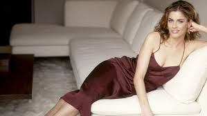 Happy Birthday to the one and only Amanda Peet!!!