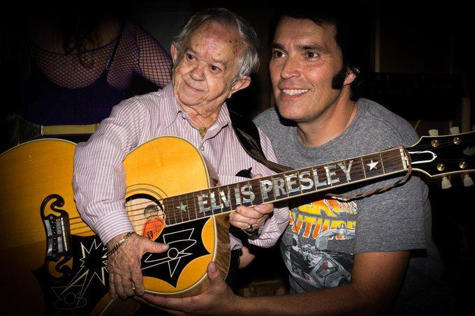 Happy 81st Birthday to Felix Silla! Here he is with the Boss James Cawley during 2016!