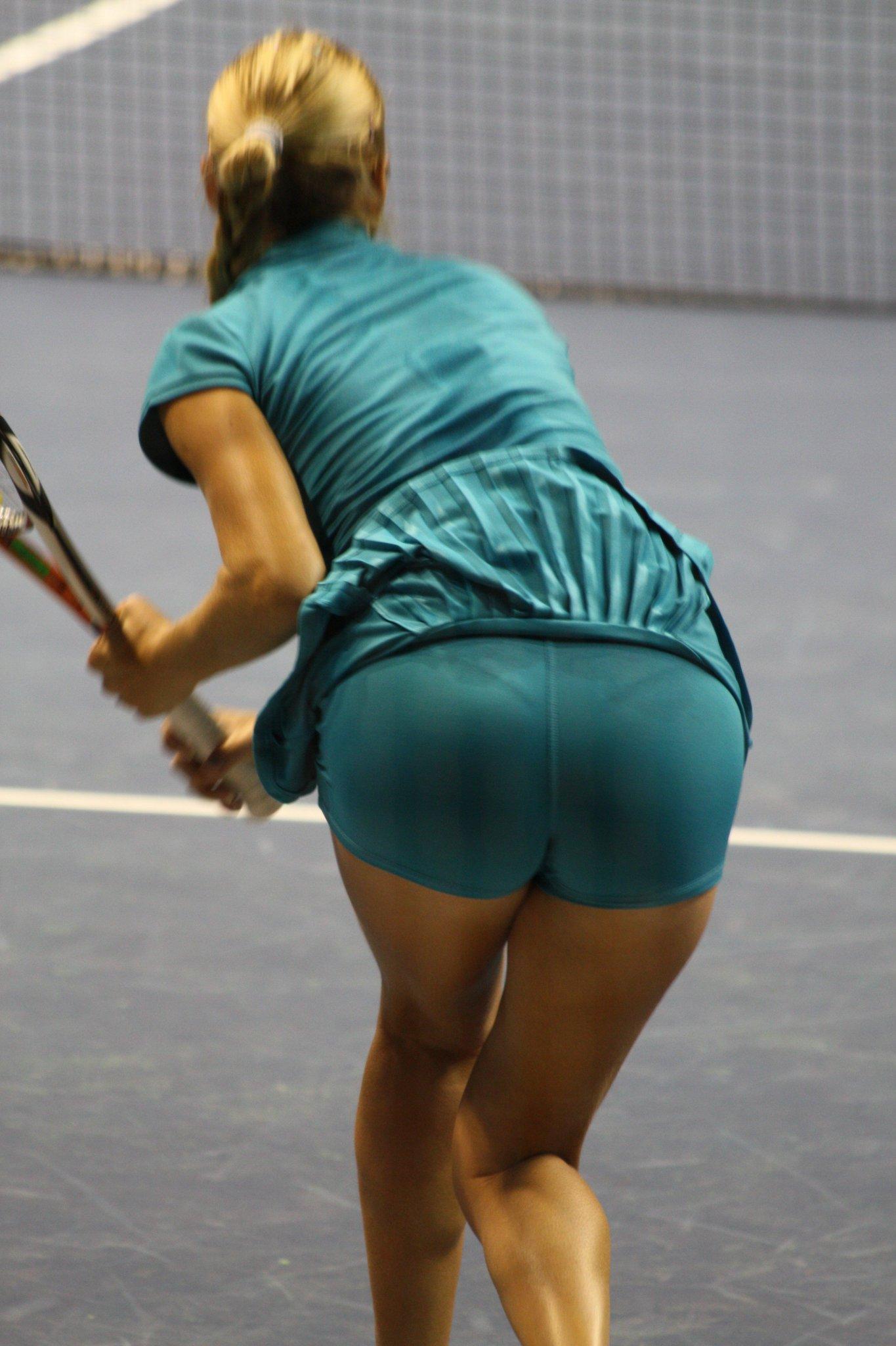 I ♥ Thongs on Twitter: Alona Bondarenko visible thong