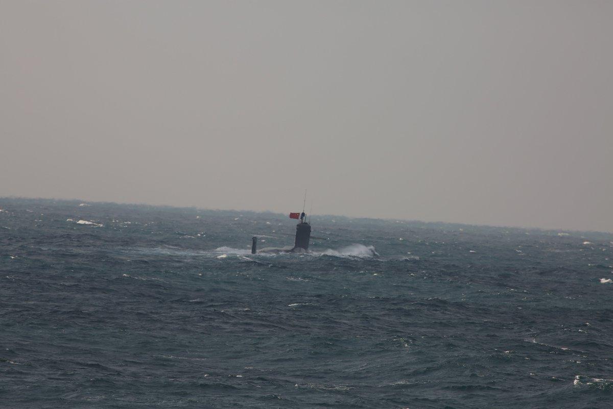 【潜没潜水艦の動向】  1月12日午後、尖閣諸島北西の東シナ海海上において、大正島の接続水域を昨日航…