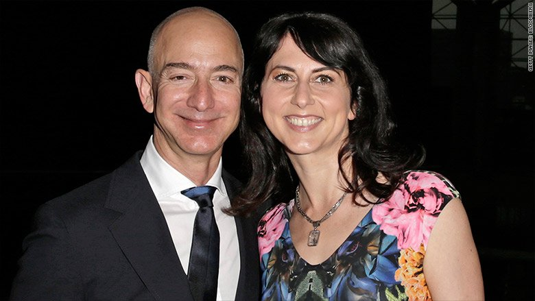 Amazon CEO Jeff Bezos and his wife, MacKenzie, are donating $33 million to send 1,000 Dreamers to college https://t.co/Hm6lVnZqLZ