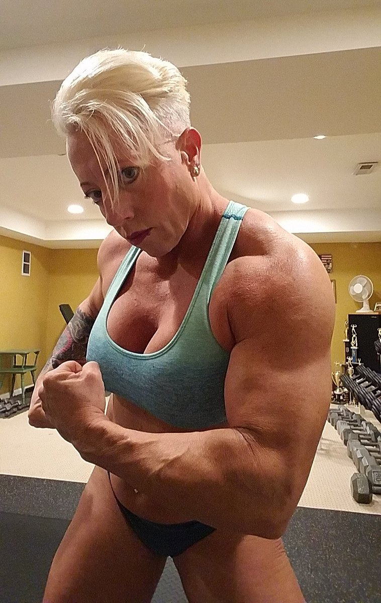 Sex Tank On Twitter S H O U L D E R Dayfbb Femalemuscle Flexfriday