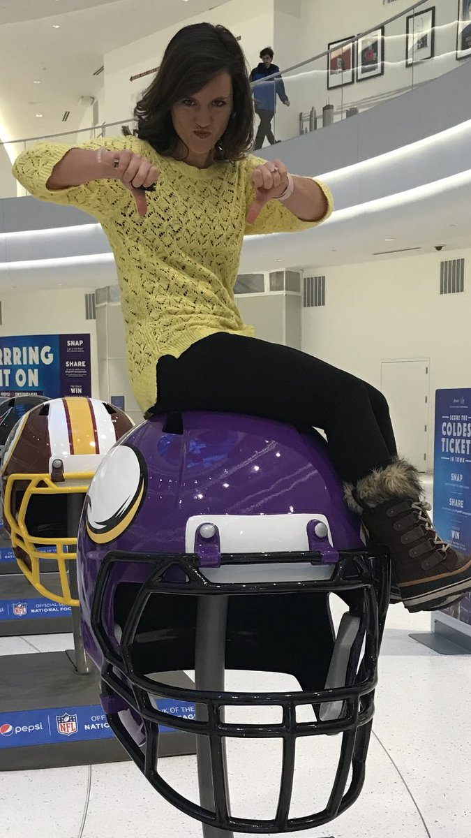 RT @WWLKatieSteiner: This is how we feel about the #Vikings. Let's go #WhoDatNation!! #dontchaknowdat https://t.co/gfbq29n9N4