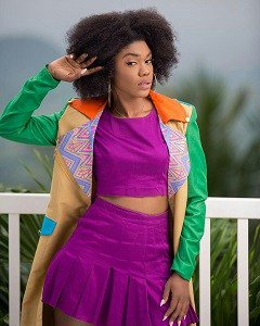 #KubiLive Becca Unfollows Everyone On In...