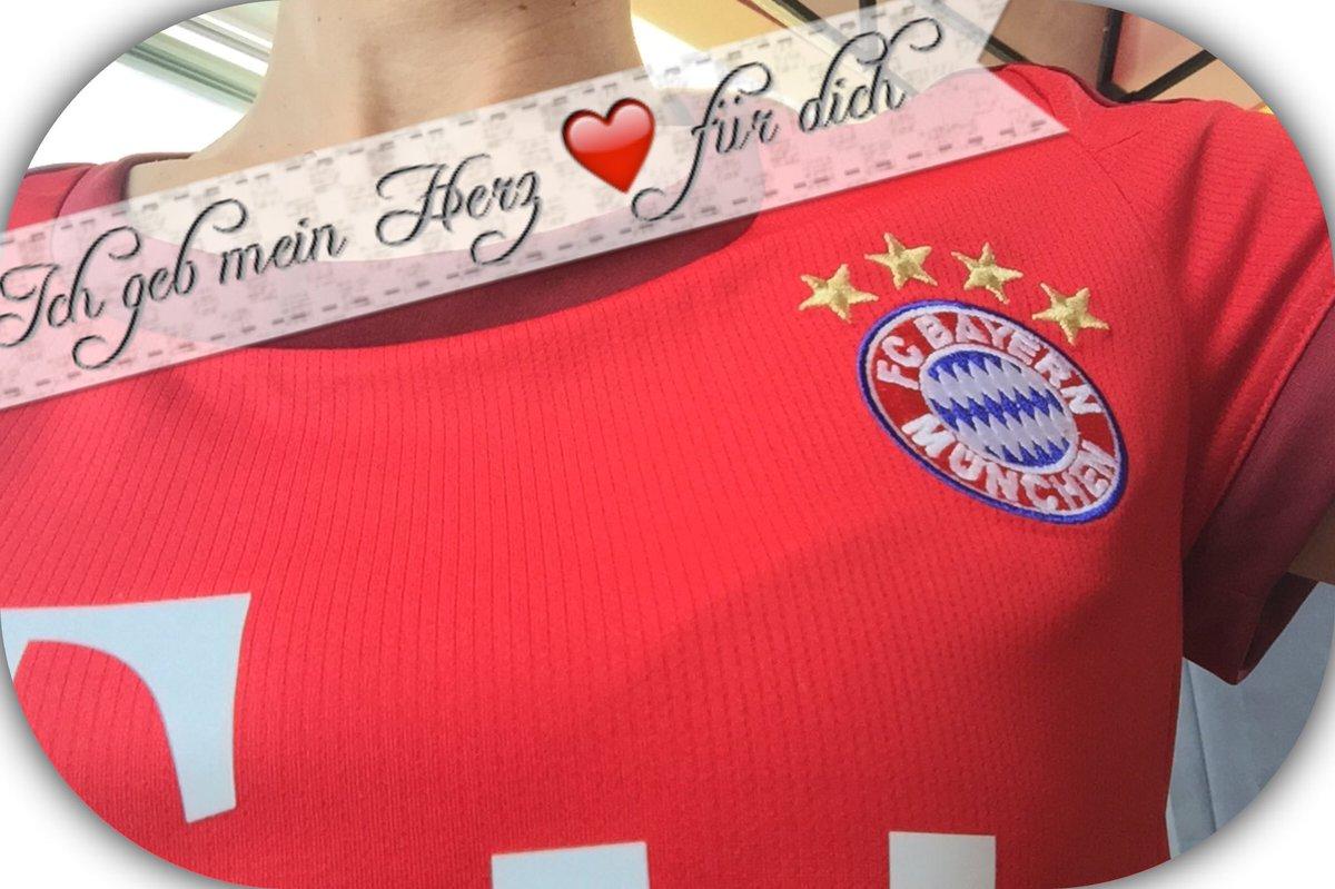RT @Nixausserderfcb: Endlich gehts wieder los #Bundesliga #packmas auf ein gutes Spiel #B04FCB https://t.co/y8JDYit3MJ