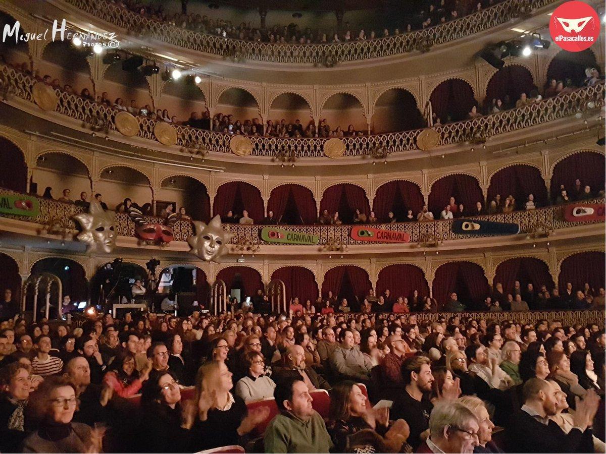El Coro 'La Centuria' en escena foto via...