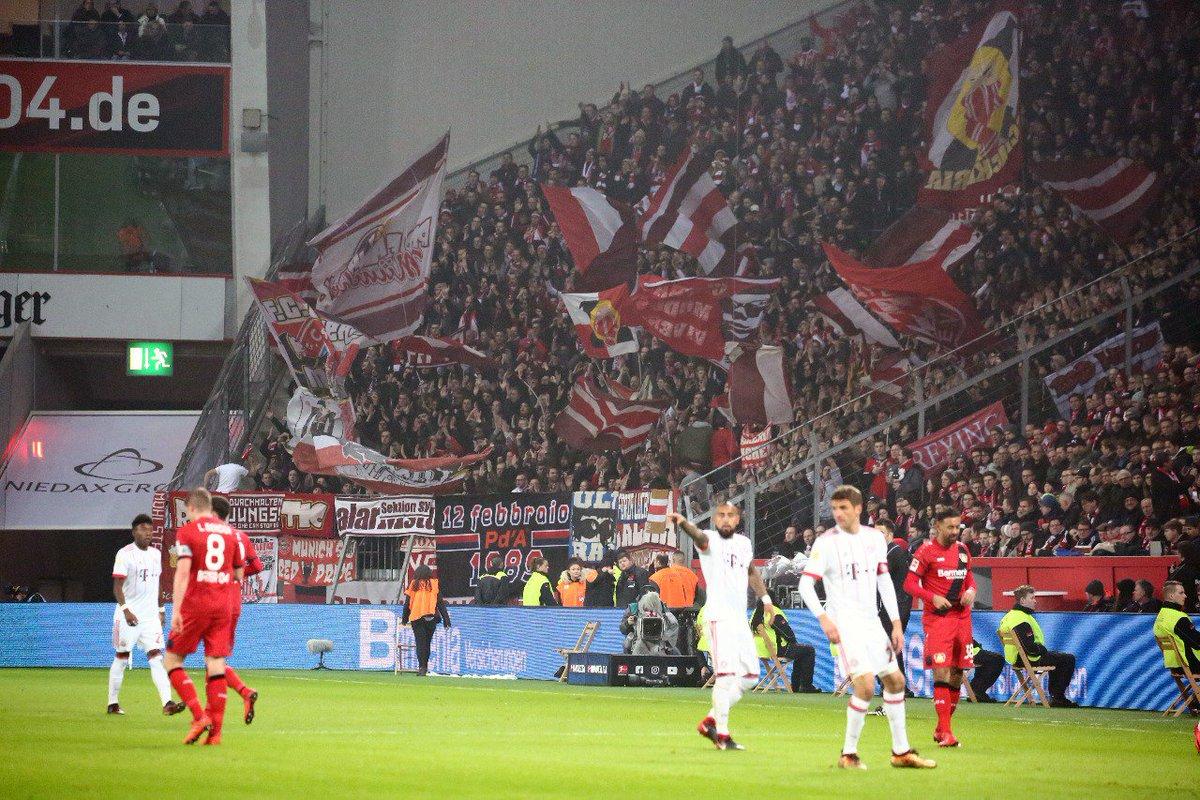 RT @FCBayern: 🗣📢 BAAAAAAAYERN! 🔴⚪   #B04FCB 0:0 (20') #MiaSanMia https://t.co/VGD0zfjaOs
