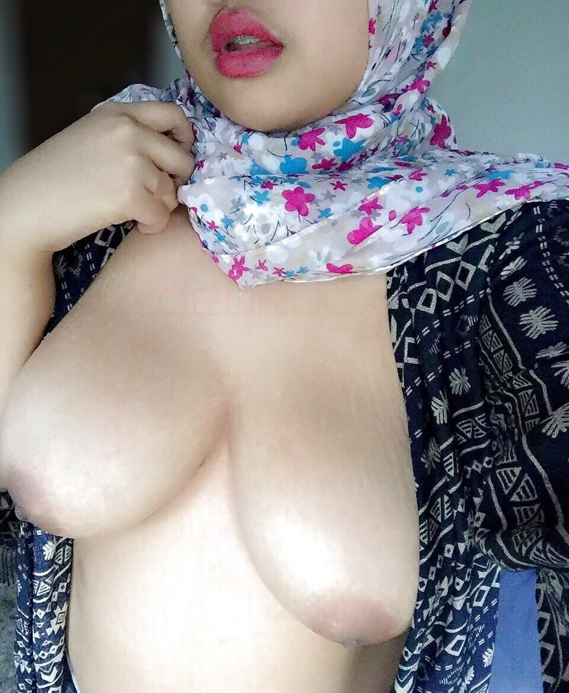 nide-arab-hijab-girl