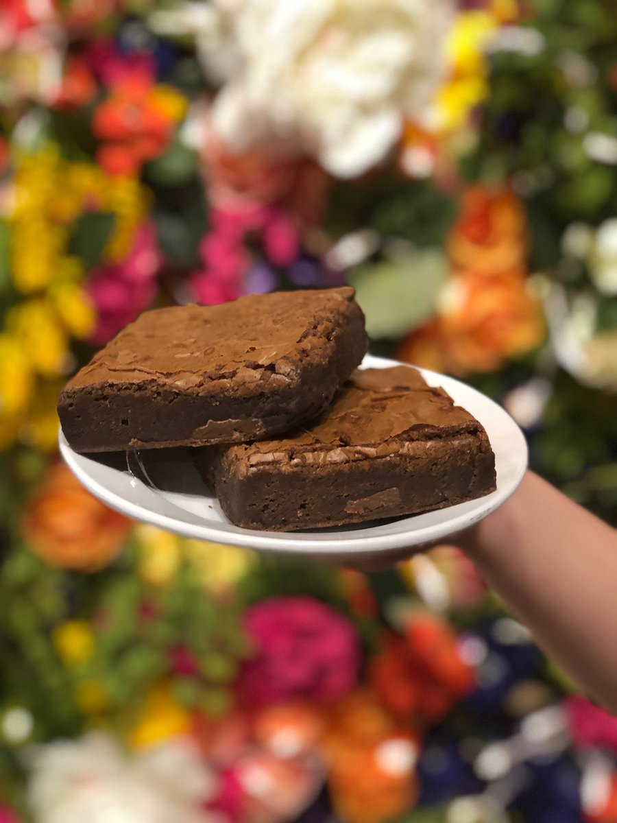 Come by and try these LEGENDARY brownies! No brownie can top ours! We promise you that!🍫