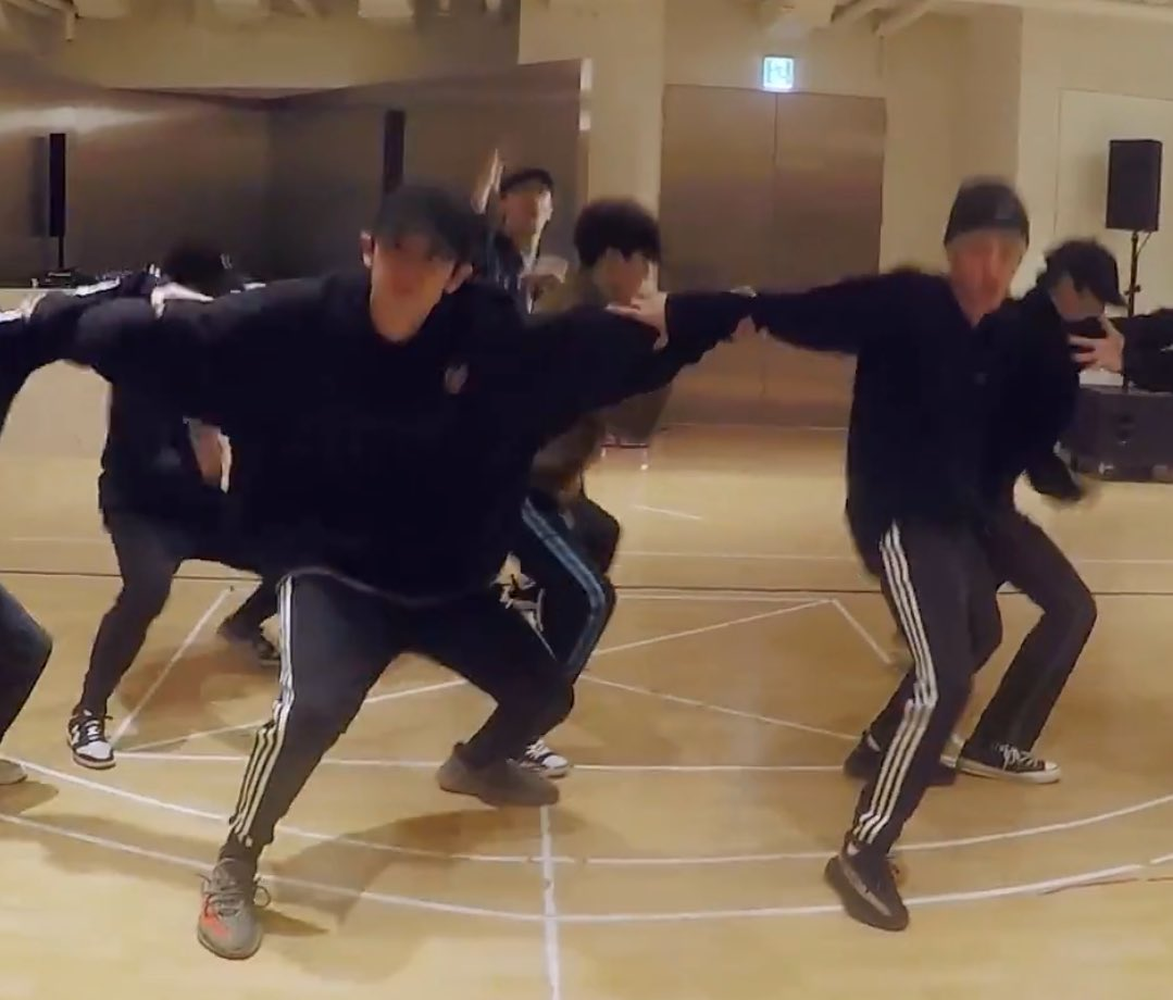EXO 'Electric Kiss' Dance Practice   htt...