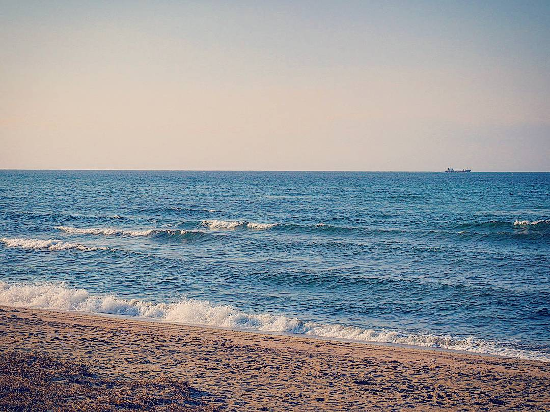 1月の瀬戸内海。この瞬間、独り占め。光市虹ヶ浜海水浴場。 https://t.co/PtBND4dymz
