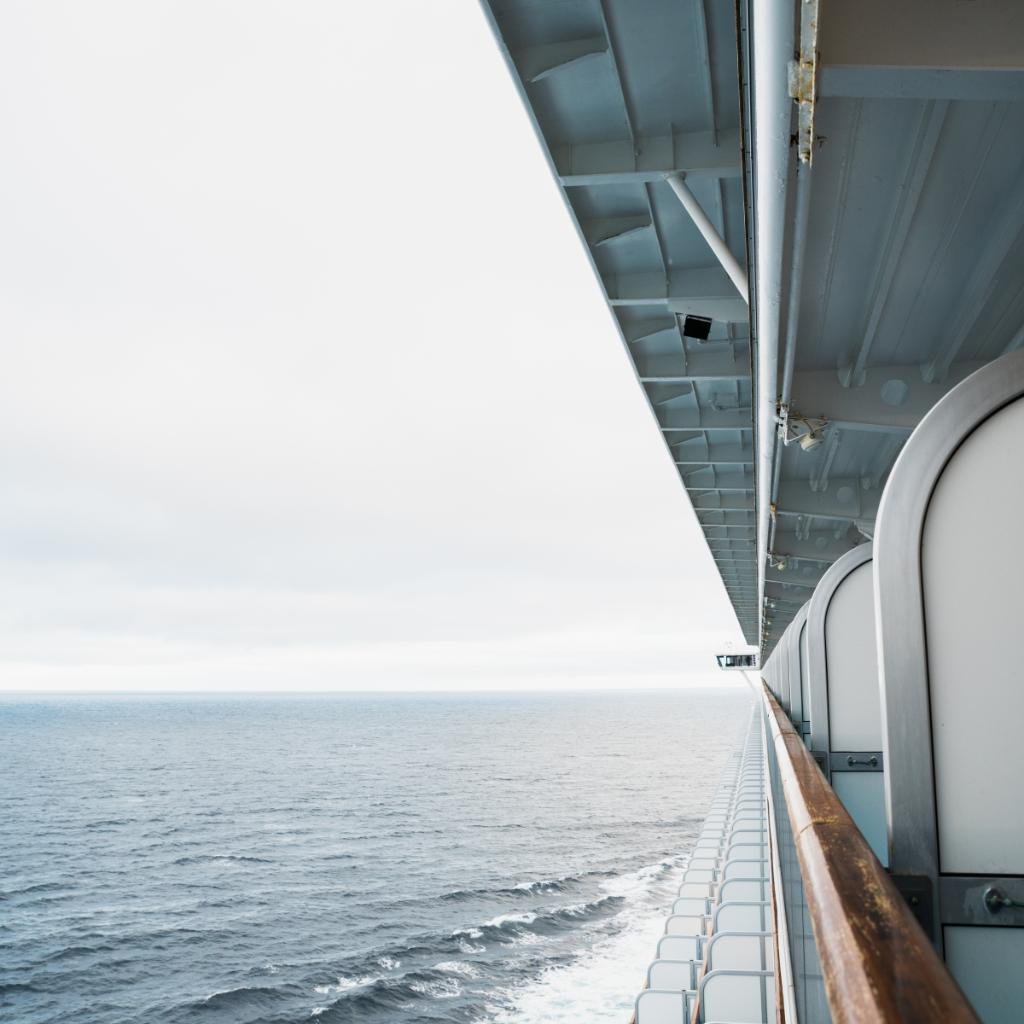 RT @PrincessCruises: There's nothing more breathtaking than a balcony view. RT if you agree! 📷: @jchongstudio https://t.co/iwYbV9r2eR