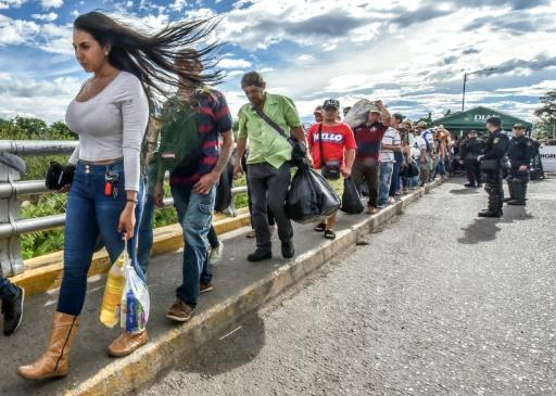 Venezuela: plus d'un demi-million de personnes ont fui en Colombie https://t.co/zi0MQKXQiT