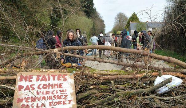 Notre-Dame-des-Landes: les zadistes vont libérer 'la route des chicanes' https://t.co/x8S0hLadTQ