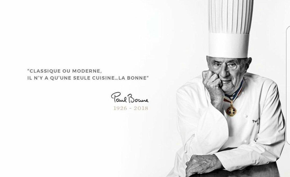 Il y a très longtemps j'habitais à Lyon et j'allais très souvent dans son restaurant. Il venait saluer la salle après chaque repas ou alors c'était sa femme.  Et j'étais toujours impressionnée. Quand même, c'est Paul Bocuse !  Paix à son âme... #PaulBocuse