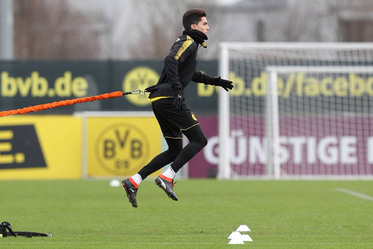 Hier sind die Bilder des #BVB-Trainings...
