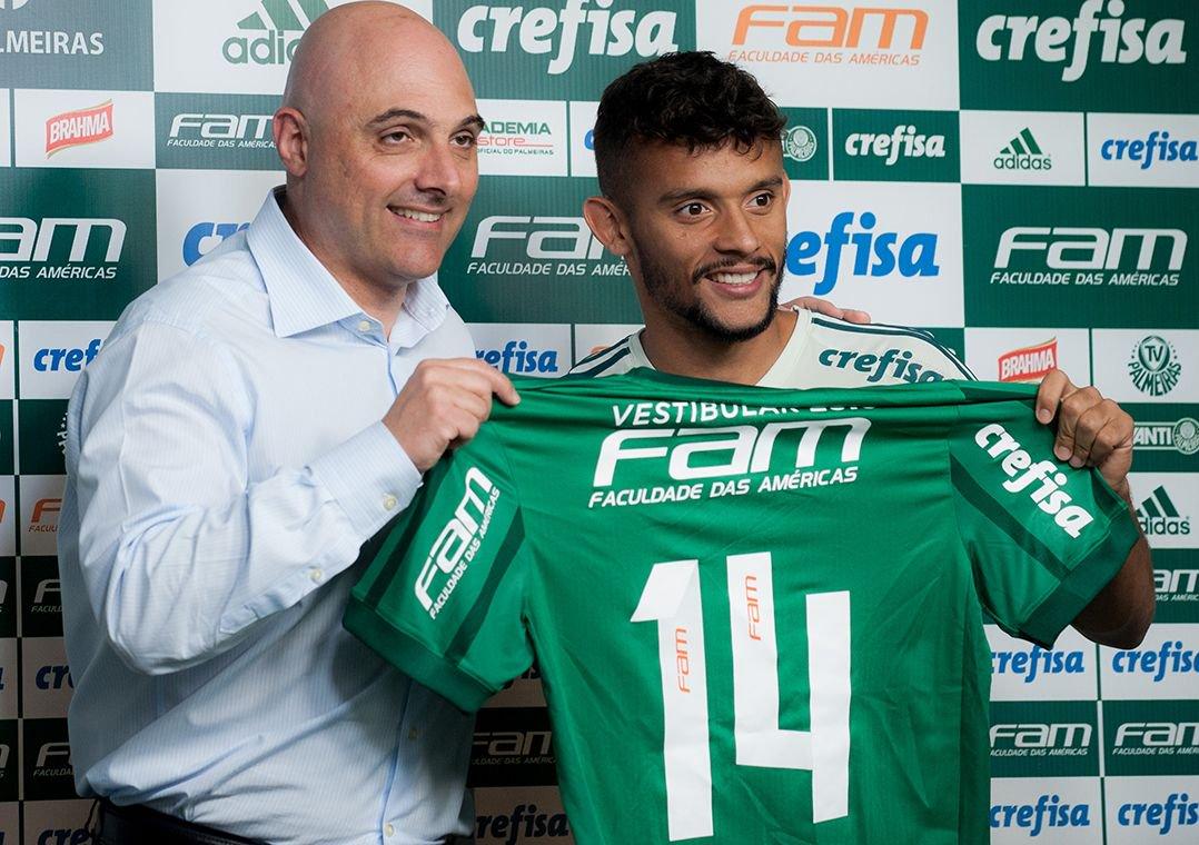 Apresentado no Palmeiras, Scarpa justifica escolha: 'Desejo antigo'. O meia vestiu a camisa do novo clube em coletiva nesta sexta-feira.