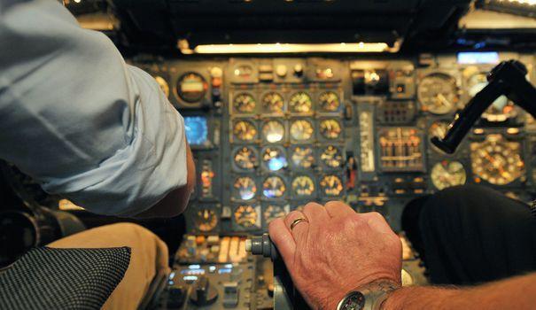 Chez Air France, on peut devenir pilote de ligne avec seulement le bac https://t.co/UwiSC5N7dr