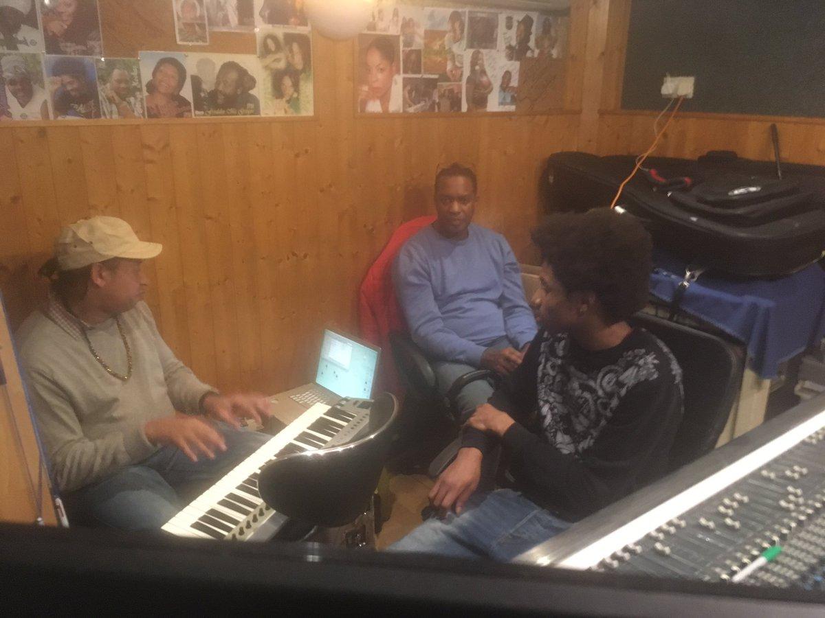 Waiting to get @edsheeran and the team in the studio always believe, keeping #ReggaeMusic #MusicTaughtMe #Reggae4Eva @atomeventspic.twitter.com/vpVaoASswl