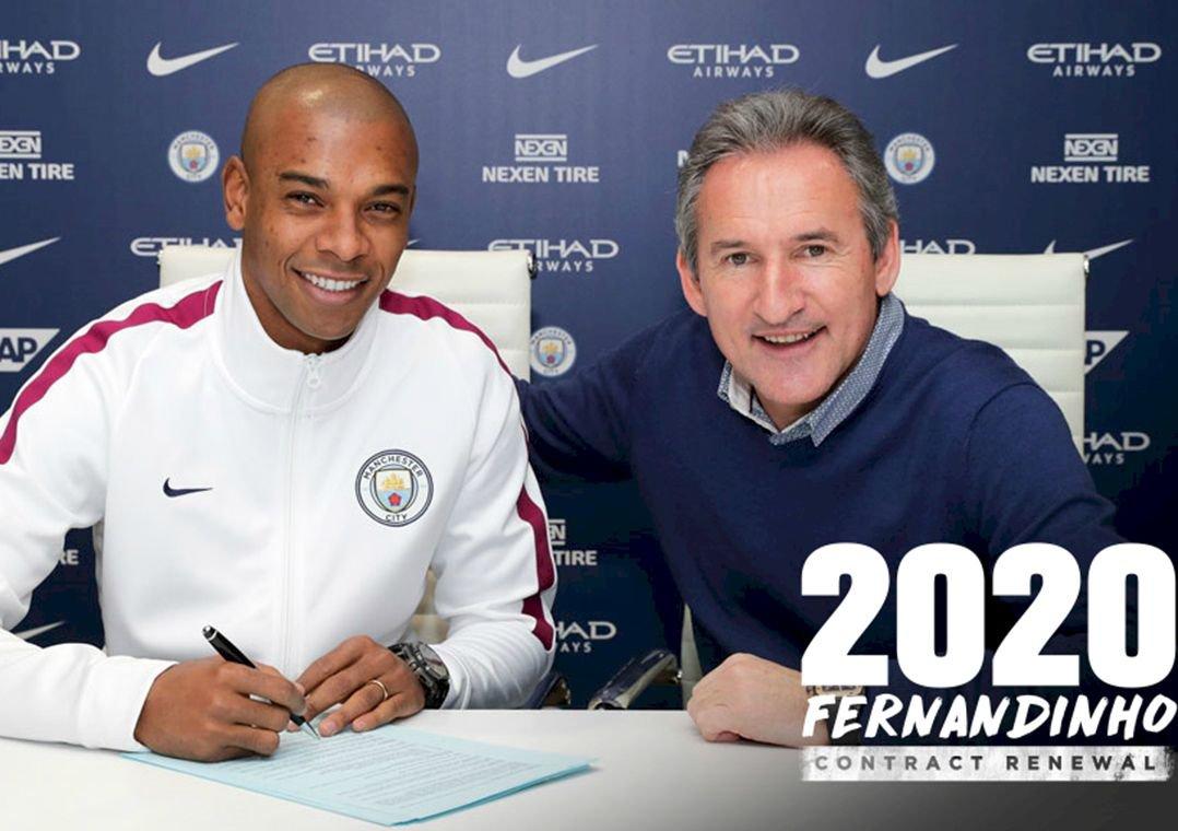 Manchester City renova contrato de Fernandinho até 2020. Diretoria anunciou nesta sexta-feira a ampliação do vínculo do volante brasileiro.