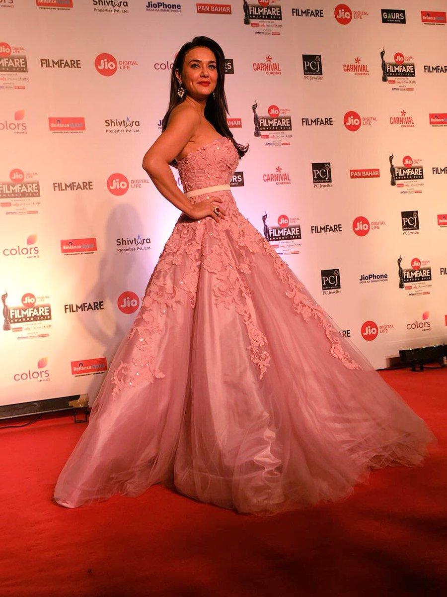 preity Zinta, filmfare awards 2018, pics, images