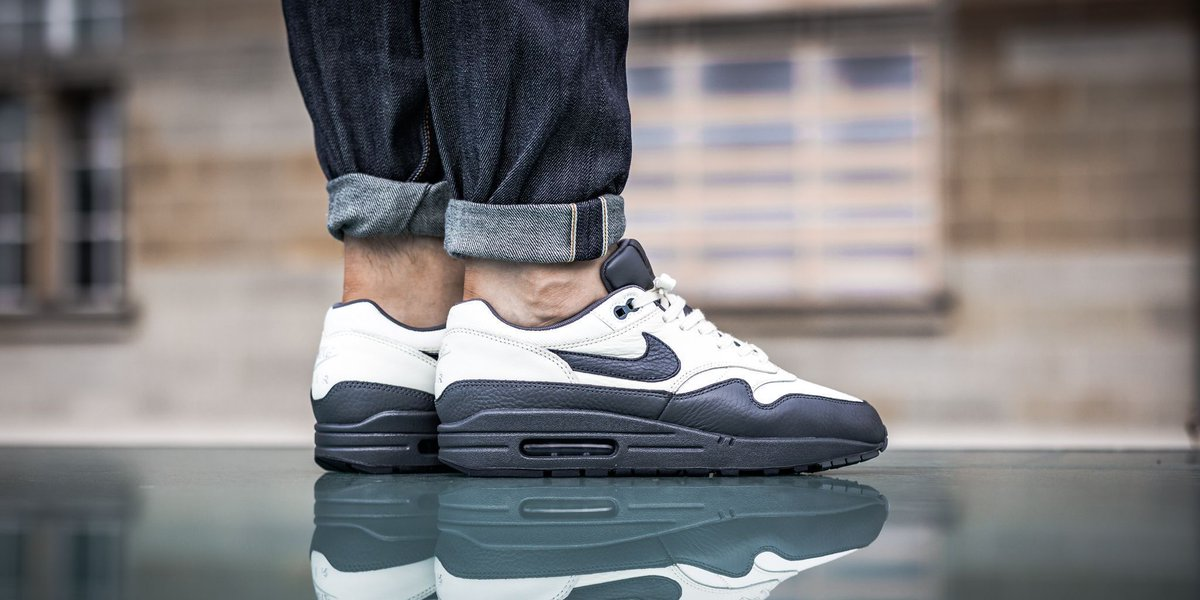 nike air max 1 sail dark