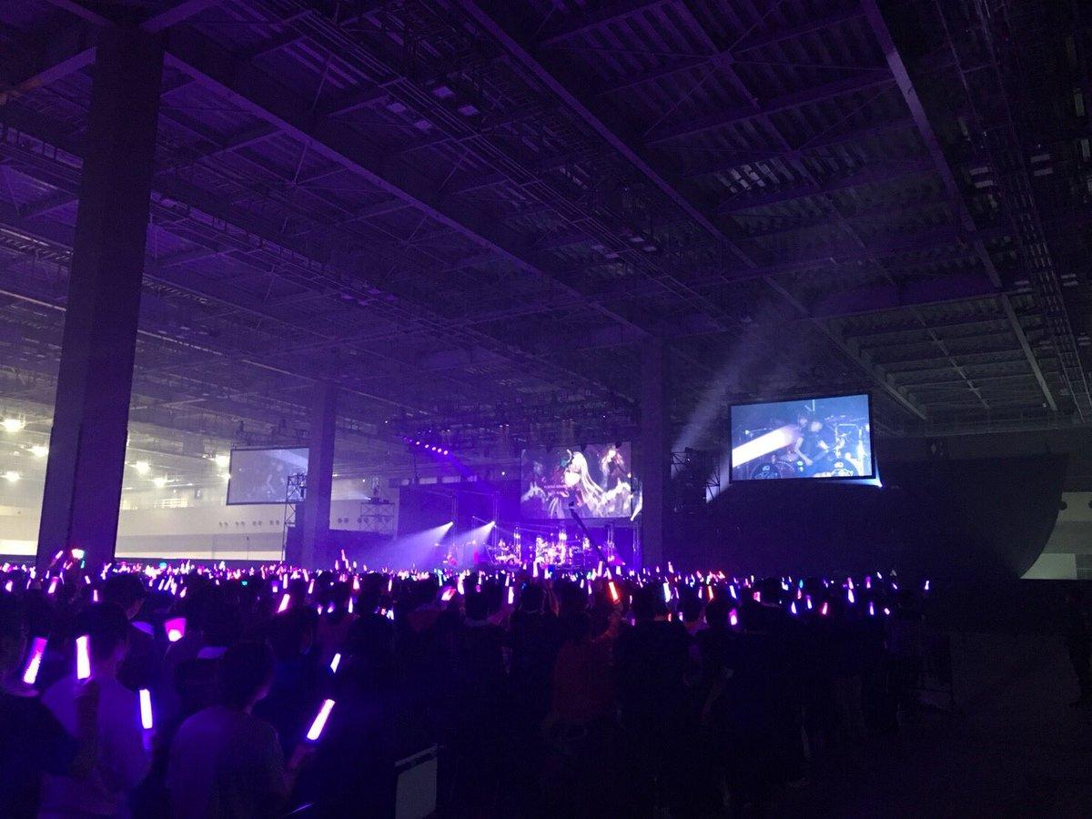 ガルパライブ1日目、ありがとうございました!!  ONENESS初披露でした🌹  明日もギター弾くぞ〜!