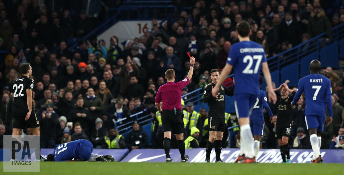 Ben Chillwell was sent off for Leicester City as they drew 0-0 with Chelsea. Pics: https://t.co/zC8WdEHAA4 #CHELEI https://t.co/Fn6jCkcotP