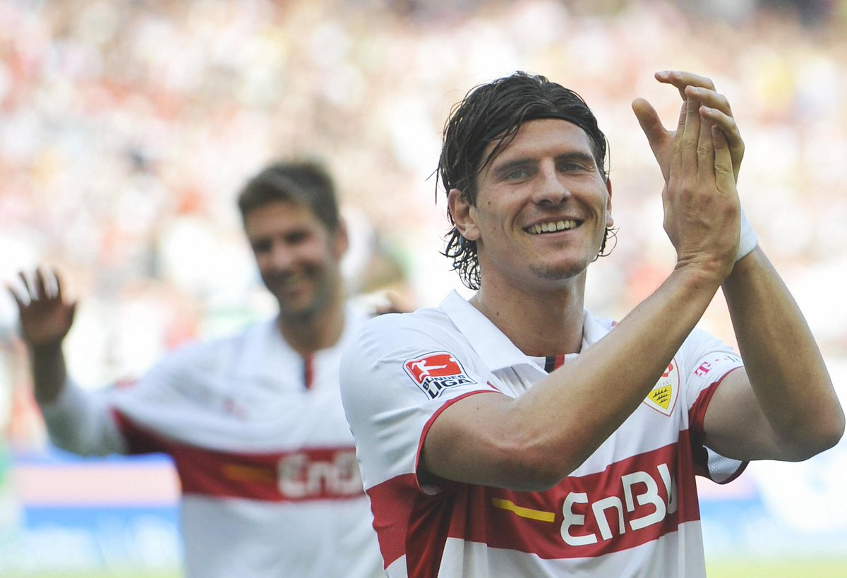 155 - @Mario_Gomez (@VfB_int) scored 155 Bundesliga goals, almost twice as many as Berlin's starting eleven (80) - he also scored his only goal of the season against Hertha. Return. #VFBBSC <br>http://pic.twitter.com/G0eqpAIiMo