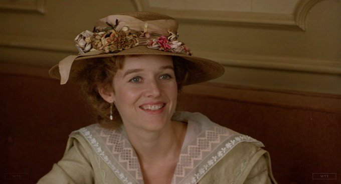 Penelope Ann Miller is now 54 years old, happy birthday! Do you know this movie? 5 min to answer!