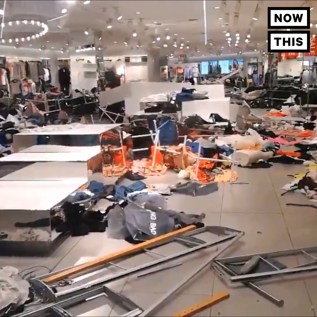 South African protesters trashed H&M stores in response to a 'racist' ad https://t.co/tUTV40H1M8