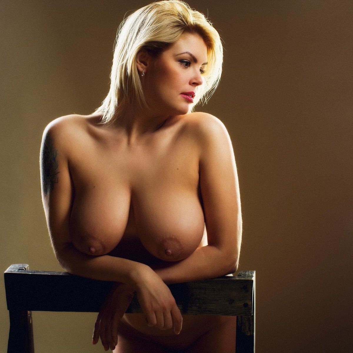 серьезное шикарные голые дамы на фото мне всего-то