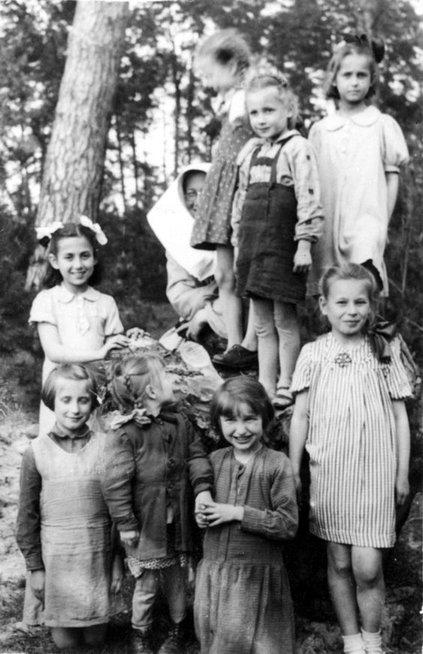 Osoby skazane na śmierć za pomoc Żydom :  Norwegia - 0 Włochy - 0 Holandia - 0 Belgia - 0 Francja - 0 Norwegia - 0 Dania - 1 Polska - 30 000 #PolskiAntysemityzm #KochamCięPolsko