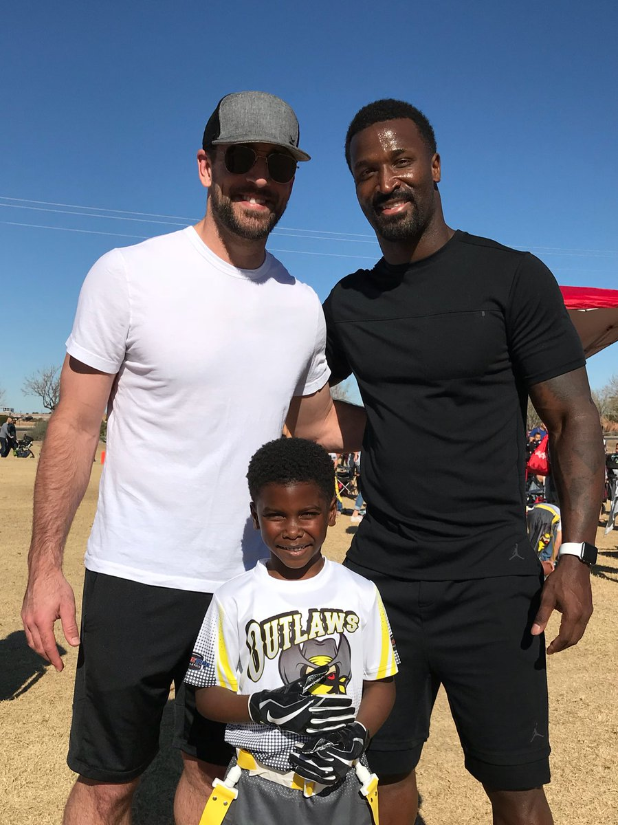 @AaronRodgers12 Thanks for coming bro! Lil James w…