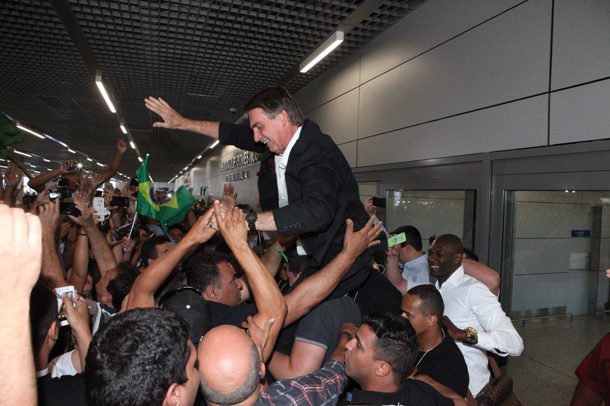 Em campanha, Bolsonaro gasta 39% a mais com voos pagos pela Câmara: https://t.co/c3S197uXiX