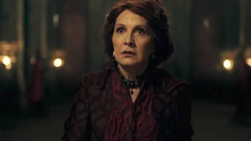 RT @divajadisse: Rosamaria Murtinho como rainha Crisélia foi diva, já disse!  #Deussalvearainha #DSR # Deussalveorei https://t.co/yTqYfXIrbj