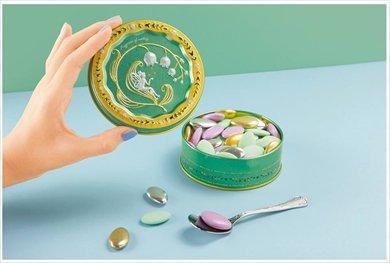 お菓子を食べ終わったあとも取っておきたい  まるで宝石みたい! 見ているだけでワクワクする「お菓子の…