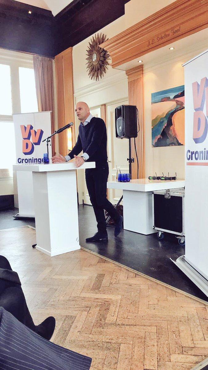 Nieuwjaarsreceptie VVD-Statenfractie! Over kansen voor Groningen, toekomst van onze energievoorziening en ondernemerschap. #VVD https://t.co/Bg88eNWpnG