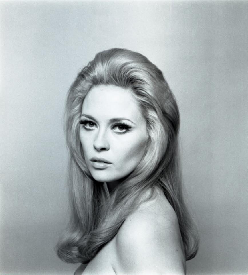 Happy birthday to Faye Dunaway.  She turns 77 today.